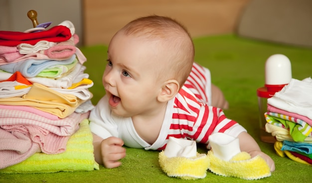 5ヶ月の赤ちゃん少女 無料写真