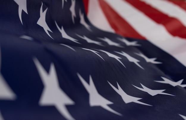 記念日または7月4日、独立記念日のためのアメリカの国旗の背景。 Premium写真