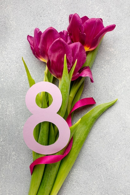 8 march assortment with bouquet of flowers Free Photo