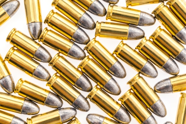 9mm bullet for gun on white background Free Photo