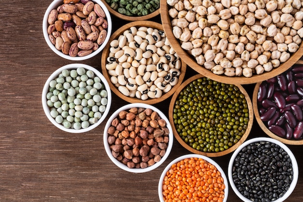 インドのマメ科植物の様々な品揃え Premium写真