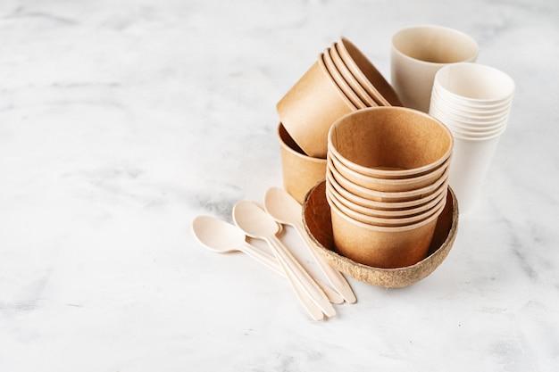 Коллекция эко посуды Premium Фотографии