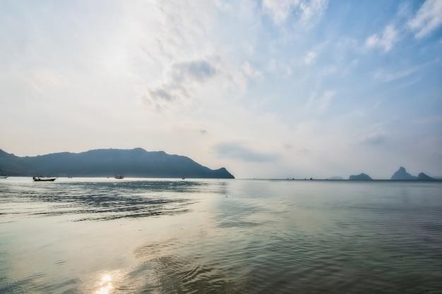 海と自然の景色 Premium写真