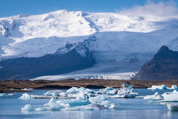 氷河ラグーン、アイスランドの手配 Premium写真