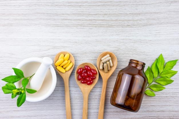 Альтернативная фитотерапия, витамины и добавки из натуральных Premium Фотографии