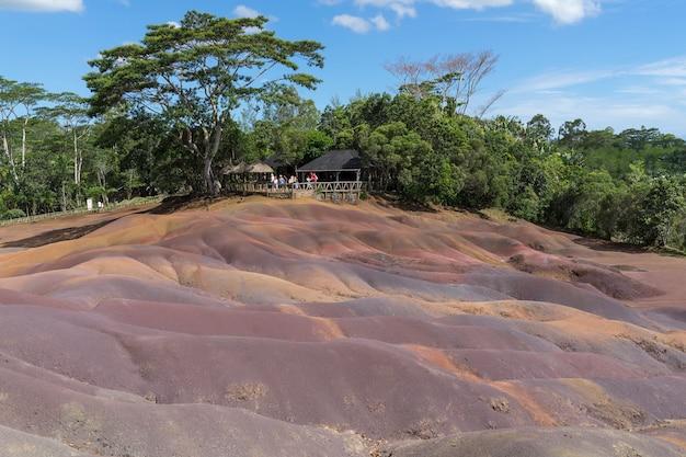 七色の地球は七色になる火山地質学的現象です。 Premium写真