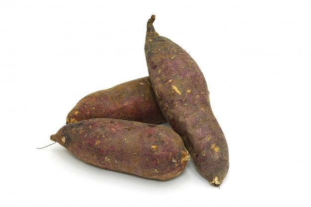 分離された日本のサツマイモ Premium写真