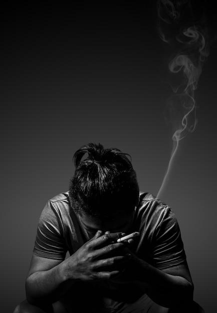 картинки сидящий курящий парень азбука это