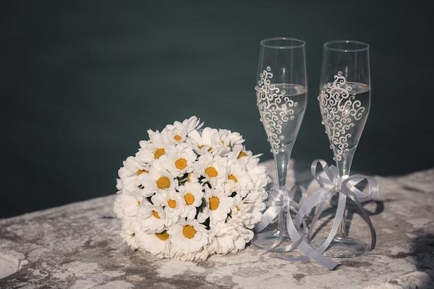 Картинки с шампанским бокалами и розами