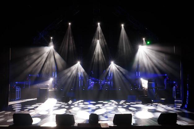 ライト付きのフリーステージ Premium写真