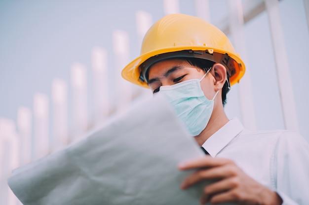 Менеджер холдинга план работы на строительной площадке Premium Фотографии