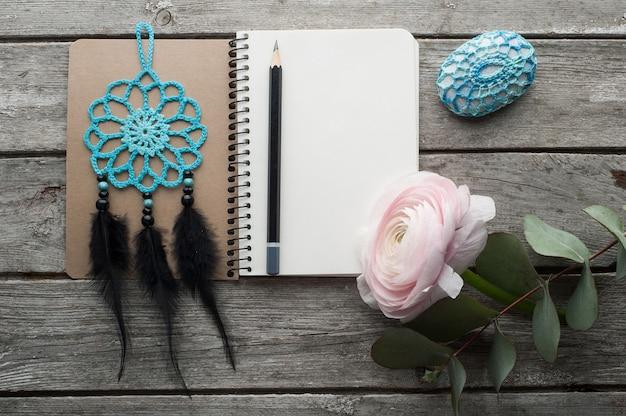 ノートブックを開く、ドリームキャッチャー Premium写真