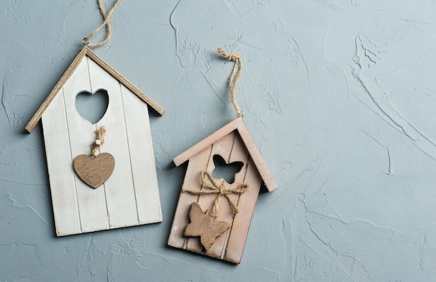 手作りの木製の鳥の家のおもちゃ Premium写真