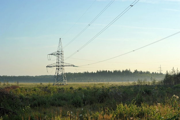 高電圧送電線 Premium写真