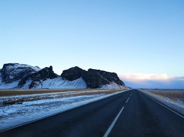 アイスランドの美しい冬の風景。 Premium写真