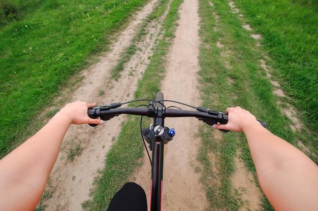 Езда на велосипеде Premium Фотографии