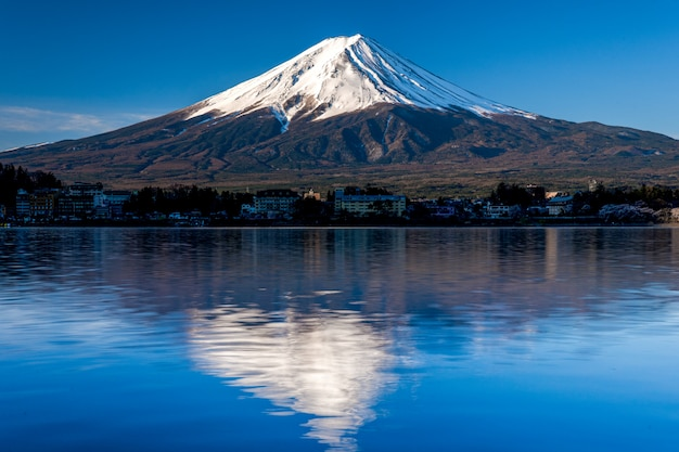 山河口湖富士吉田での富士。 Premium写真