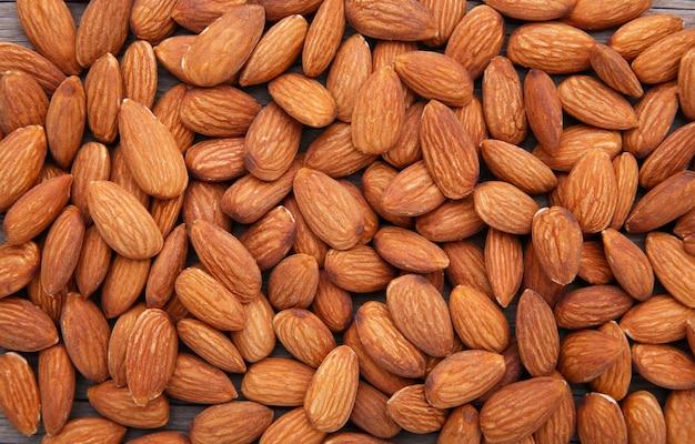 Органические миндальные орехи Premium Фотографии