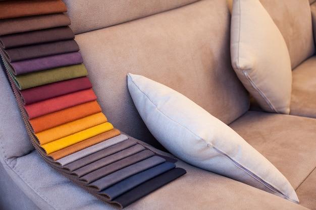 ソファーに色の革 Premium写真