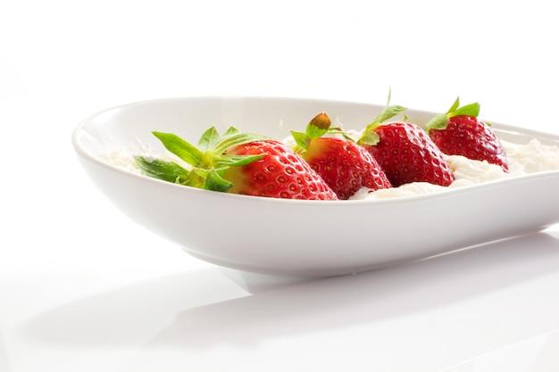 イチゴとクリーム Premium写真