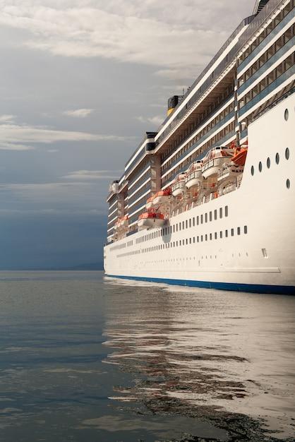 クルーズ船の眺め Premium写真