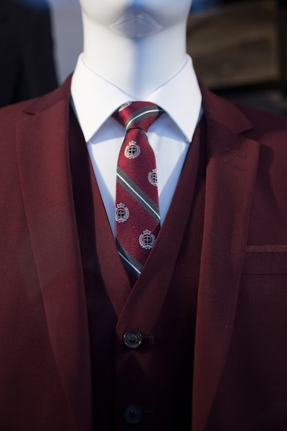 服を着て男性のマネキン Premium写真