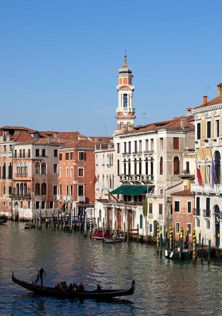 ヴェネツィアのゴンドラ Premium写真