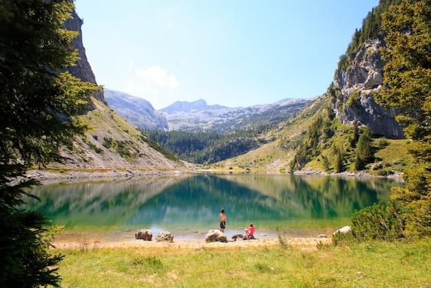 クルンスコ湖 Premium写真