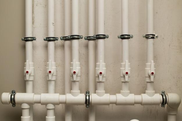 地下の水道管 Premium写真