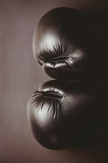 黒いボクシンググローブのクローズアップ Premium写真