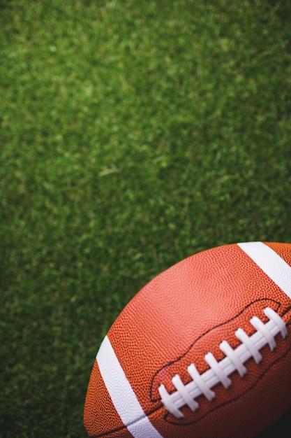 ラグビーボールのクローズアップ Premium写真