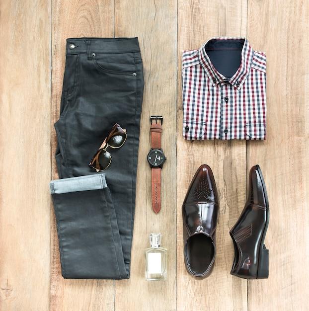 Комплект модной мужской одежды и аксессуаров Premium Фотографии