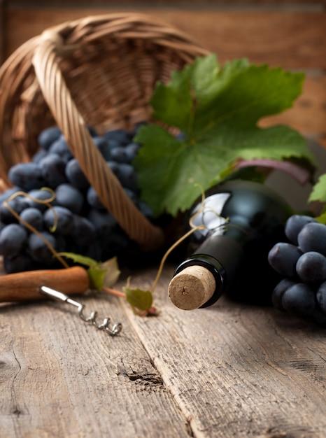 ワインのボトル Premium写真