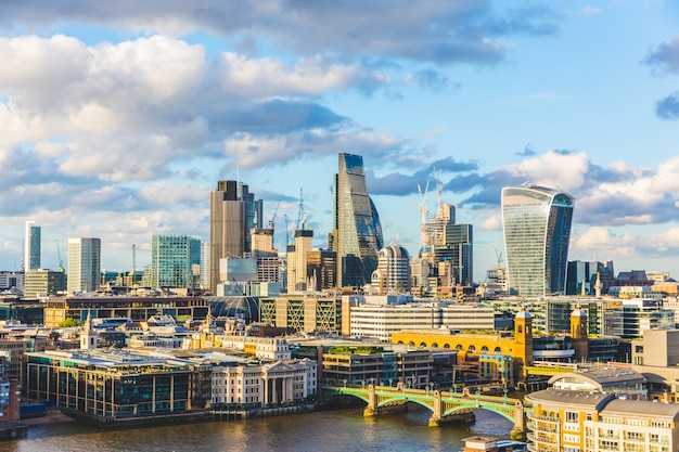 ロンドンシティパノラマビュー Premium写真