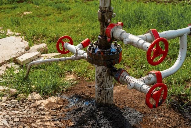 油井の原油漏れ Premium写真
