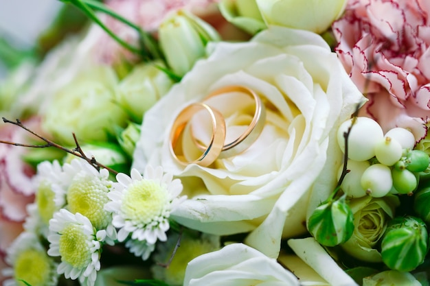 結婚指輪 Premium写真