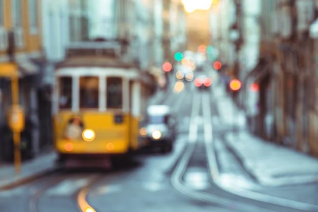 黄色い路面電車 Premium写真