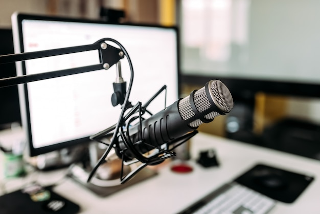 録音スタジオのマイク。 Premium写真