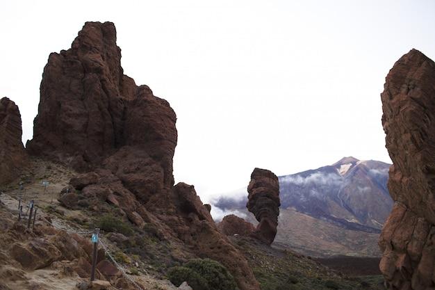 Живописные скалы на острове Бесплатные Фотографии