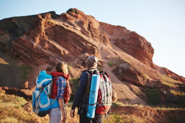 Пара в гранд-каньоне Бесплатные Фотографии