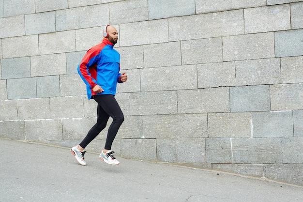 都会のスポーツマン 無料写真