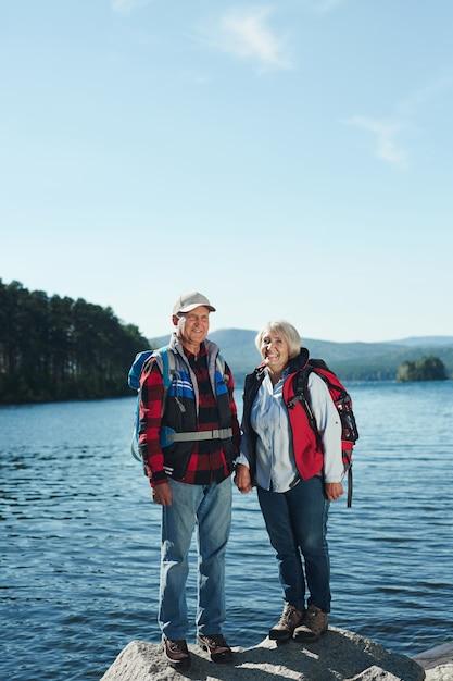 観光客のカップル 無料写真