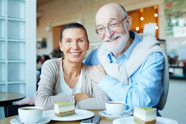高齢者のカップル 無料写真