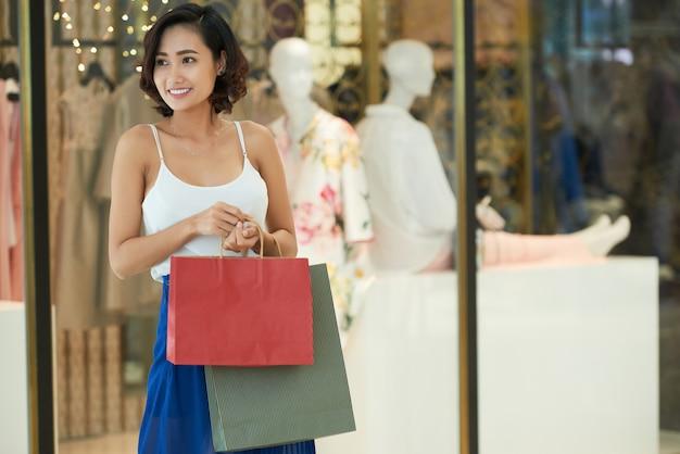 ショッピングの女の子 無料写真