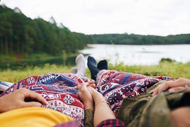 安静時のカップル 無料写真