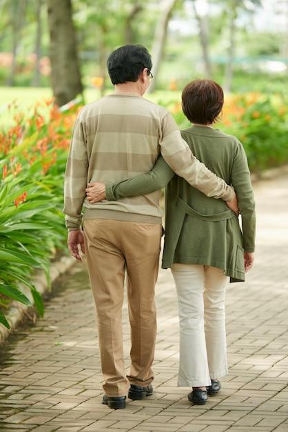 恋の老夫婦 無料写真