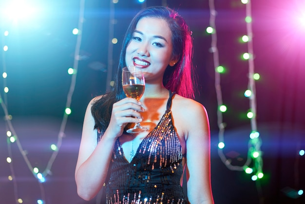 クラブの若い女性 無料写真