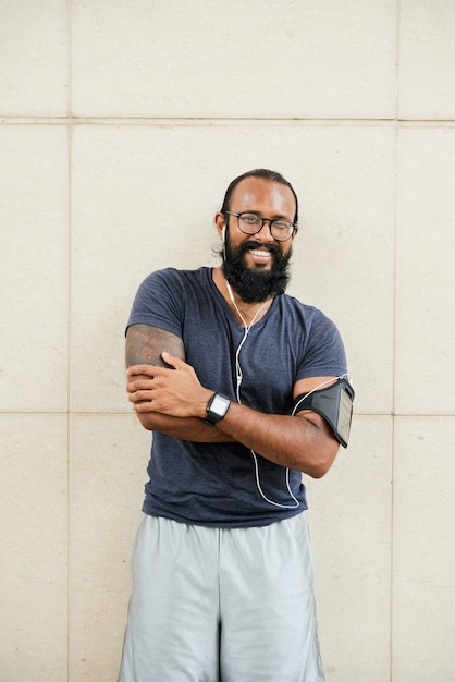Веселый индийский атлет Бесплатные Фотографии