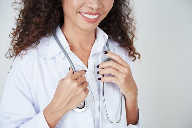 Женщина-врач со стетоскопом Бесплатные Фотографии