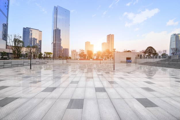パノラマの超高層ビル旅行スペース 無料写真